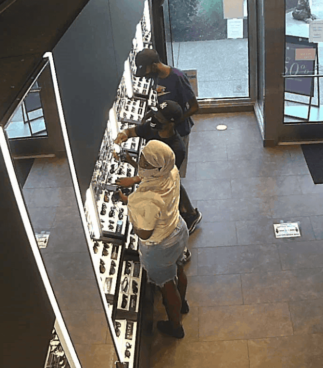 Sunglass Hut Theft Suspects